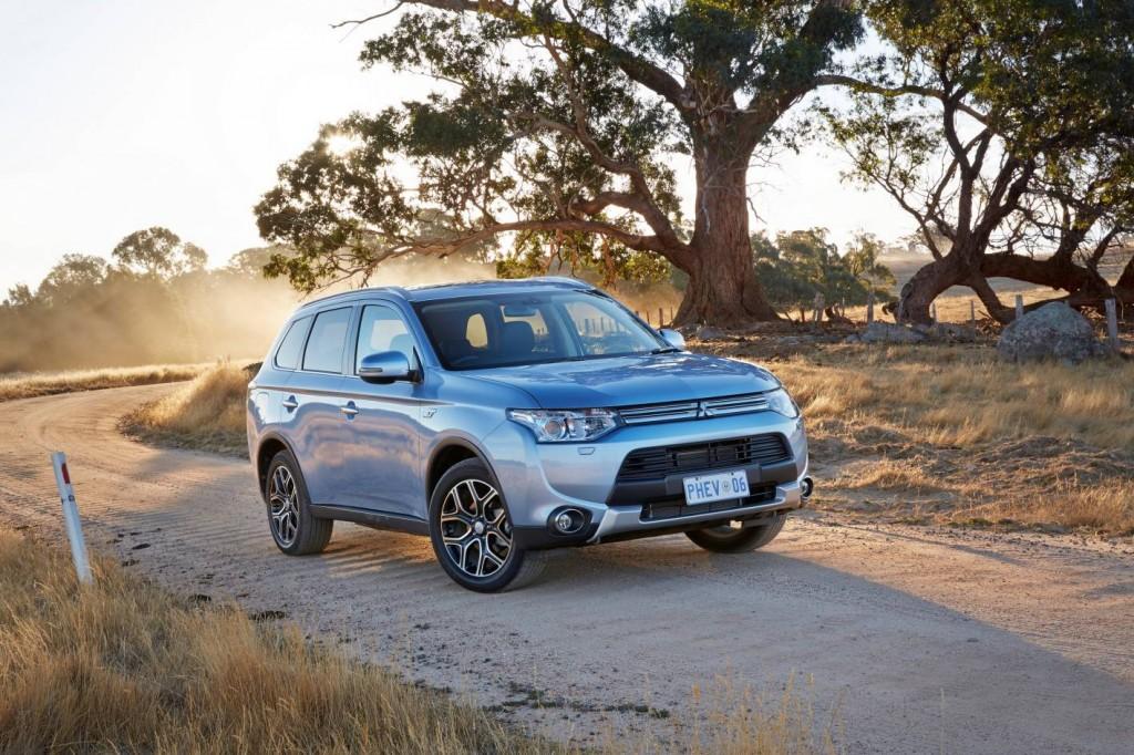 2014 mitsubishi outlander phev review practical motoring