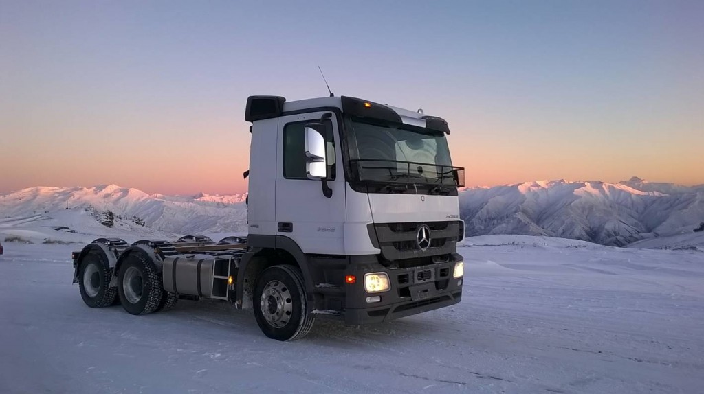 Mercedes benz trucks to offer snow experience in 2015 for 2014 mercedes benz truck