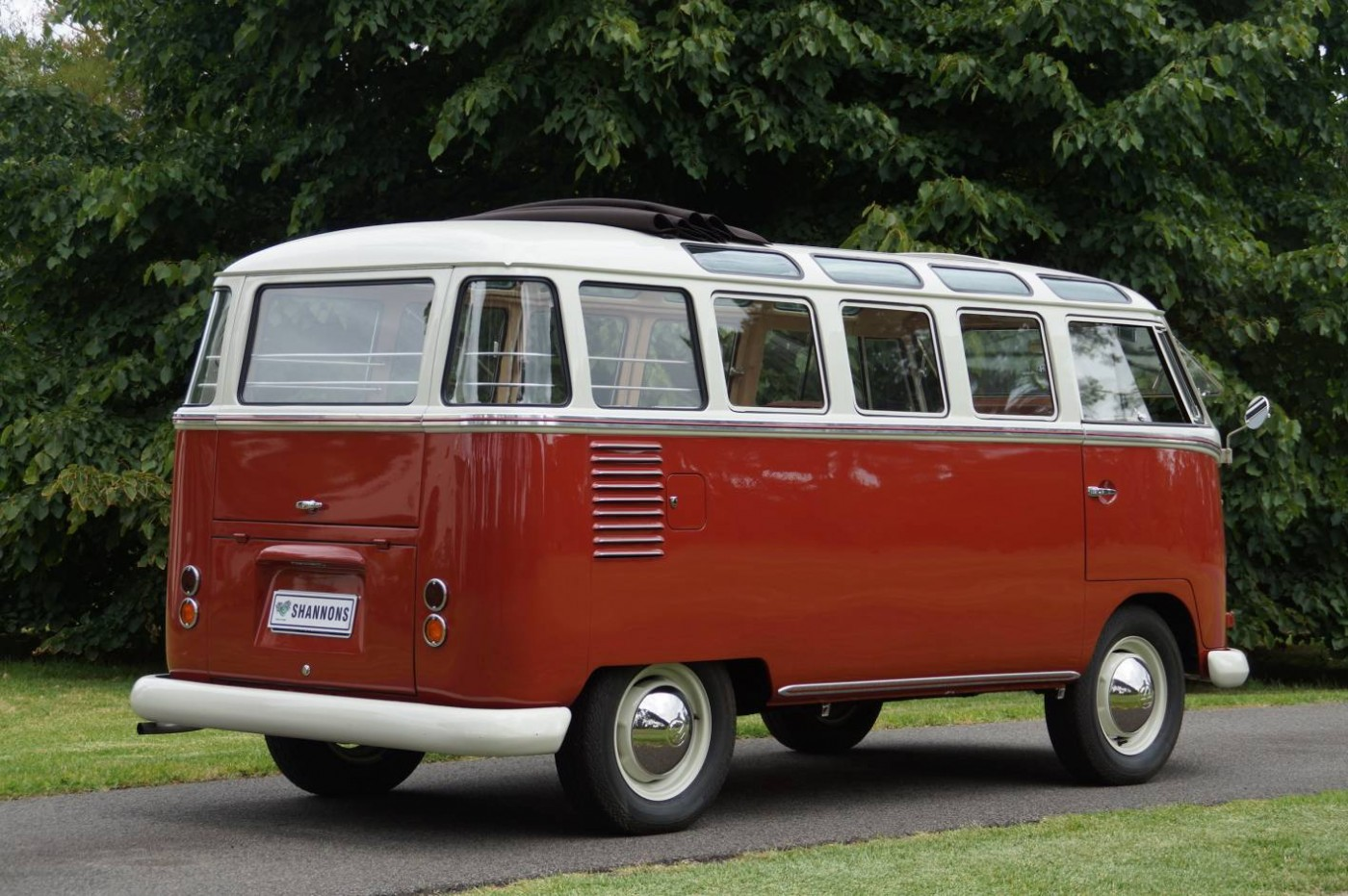 1960 volkswagen samba bus could break auction records. Black Bedroom Furniture Sets. Home Design Ideas