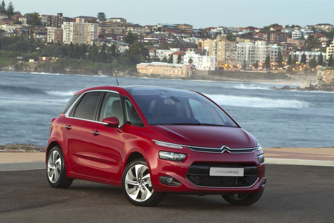2015 citroen c4 picasso arrives in australia practical motoring. Black Bedroom Furniture Sets. Home Design Ideas