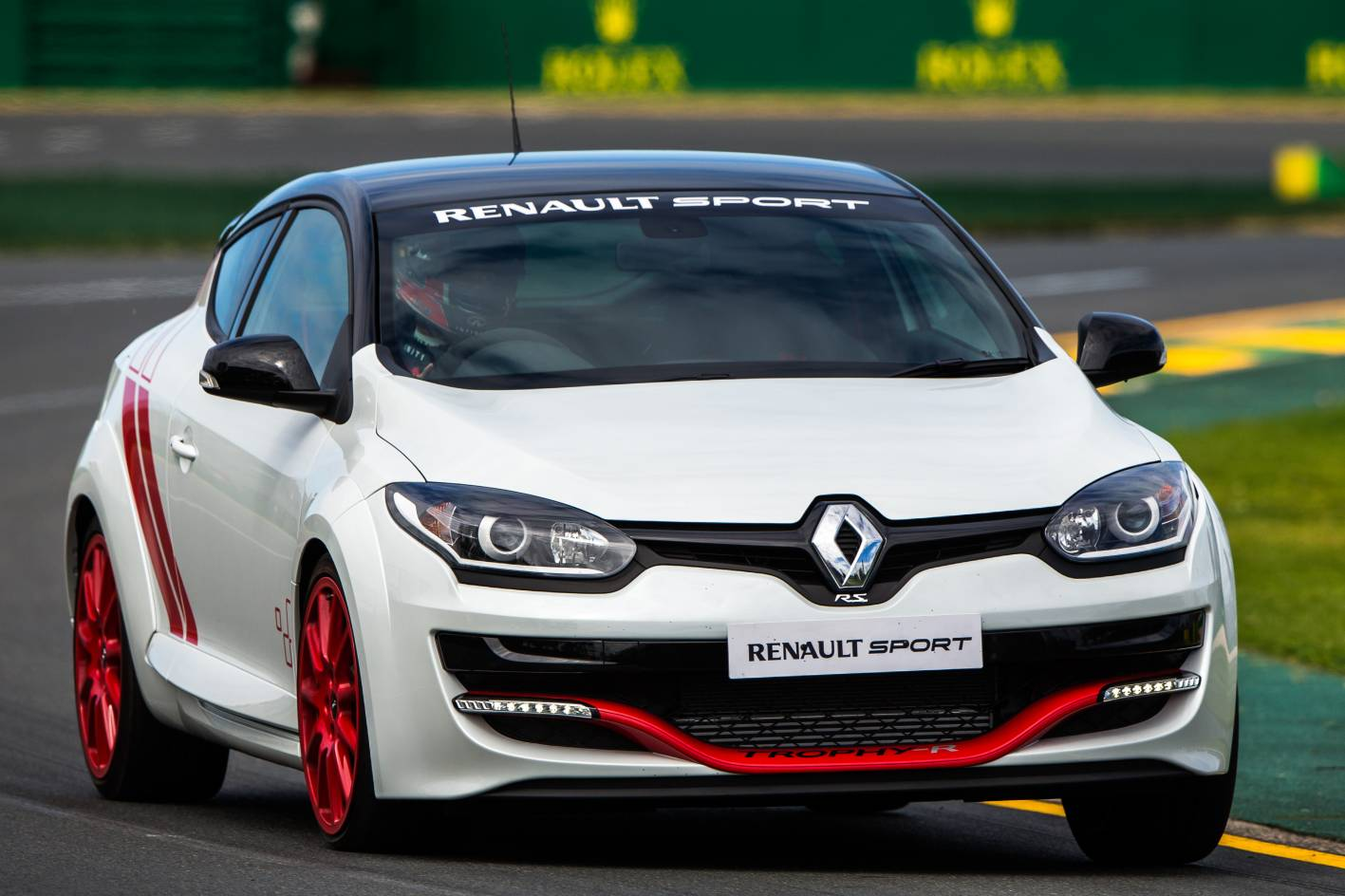 renault megane rs 275 trophy r laps albert park in 2 23min practical motoring. Black Bedroom Furniture Sets. Home Design Ideas