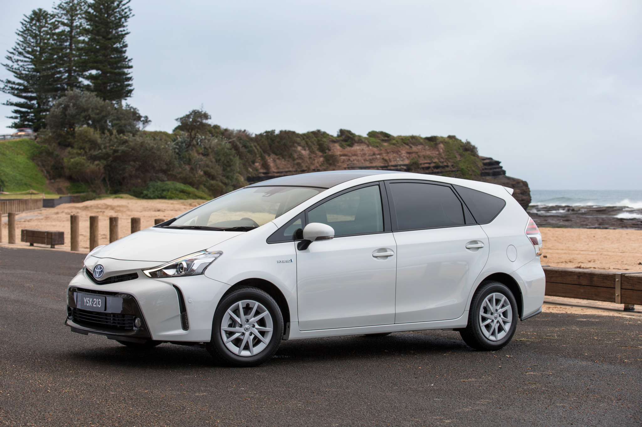 refreshed 2015 toyota prius v hybrid revealed practical motoring. Black Bedroom Furniture Sets. Home Design Ideas