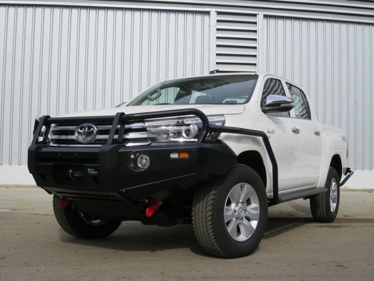 the aftermarket like to get in early. Here's the 2015 Toyota Hilux