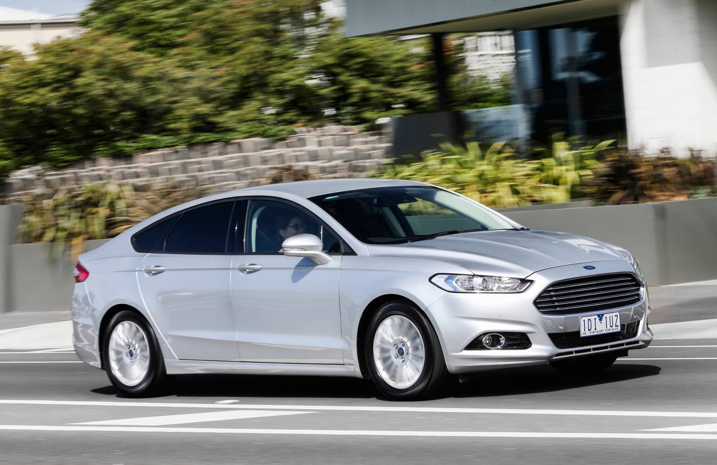 2015 ford mondeo trend review practical motoring. Black Bedroom Furniture Sets. Home Design Ideas