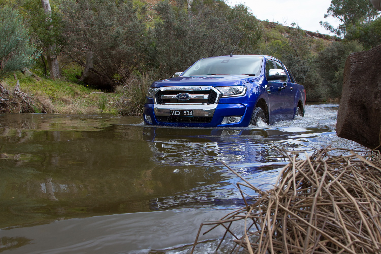 2016 ford ranger px mk2 review practical motoring for Go kart interieur