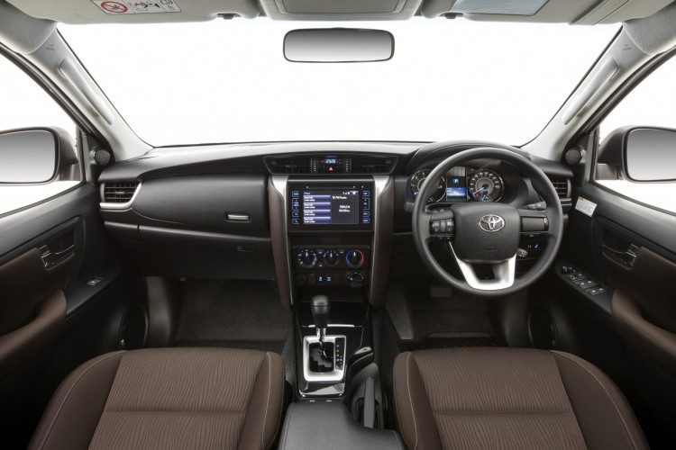 2016 Toyota Fortuner interior revealed | Practical Motoring
