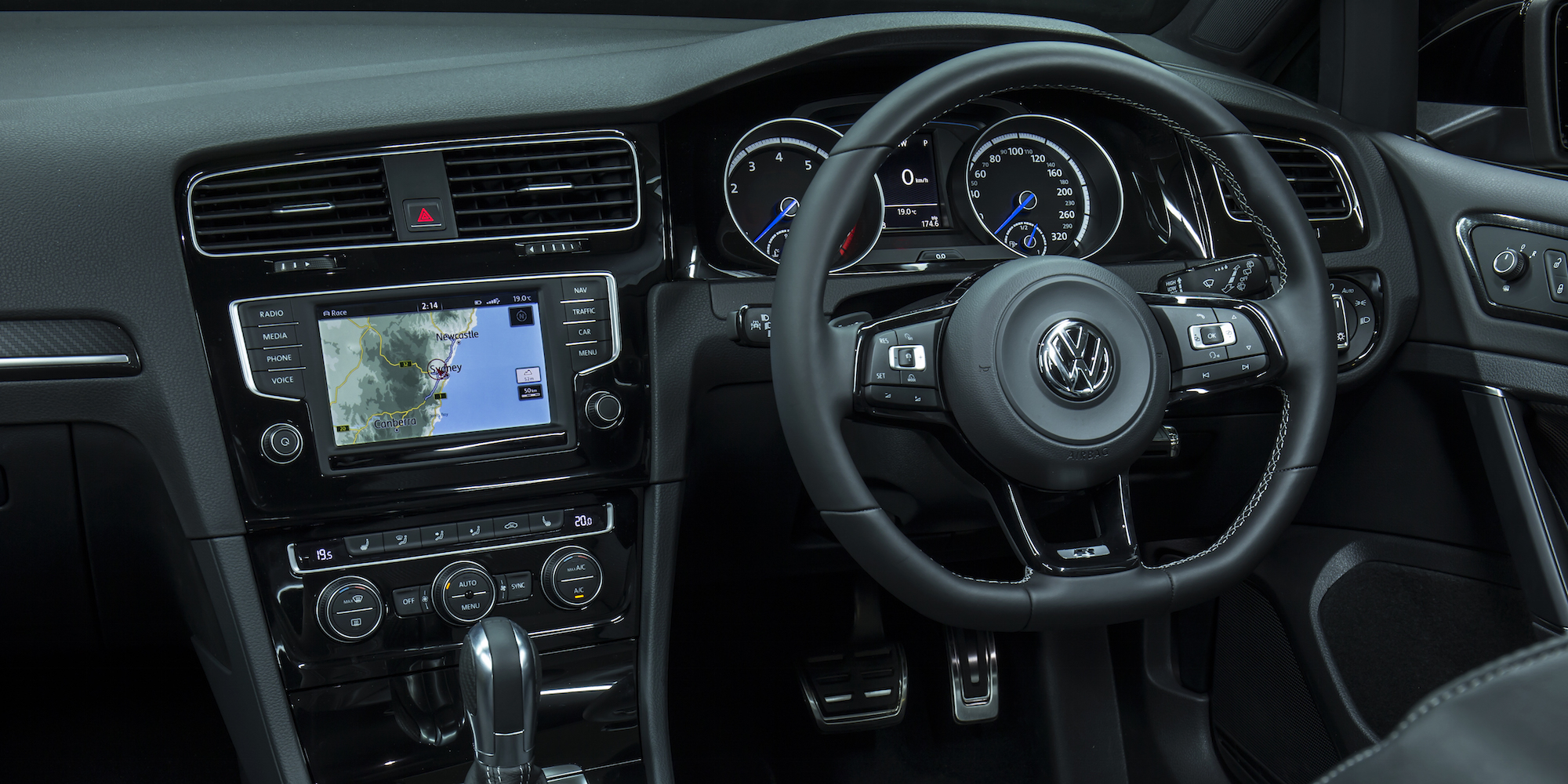 2016 volkswagen golf r wagon wolfsburg limited edition review practical motoring. Black Bedroom Furniture Sets. Home Design Ideas