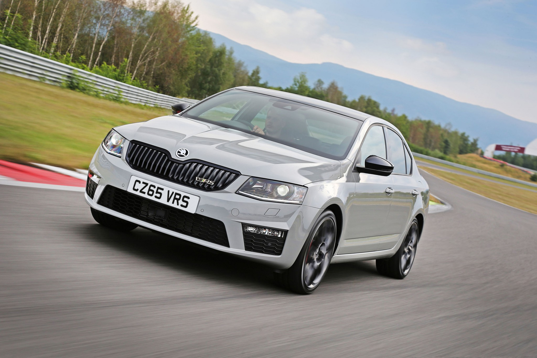 2016 skoda octavia rs gets all wheel drive practical motoring. Black Bedroom Furniture Sets. Home Design Ideas