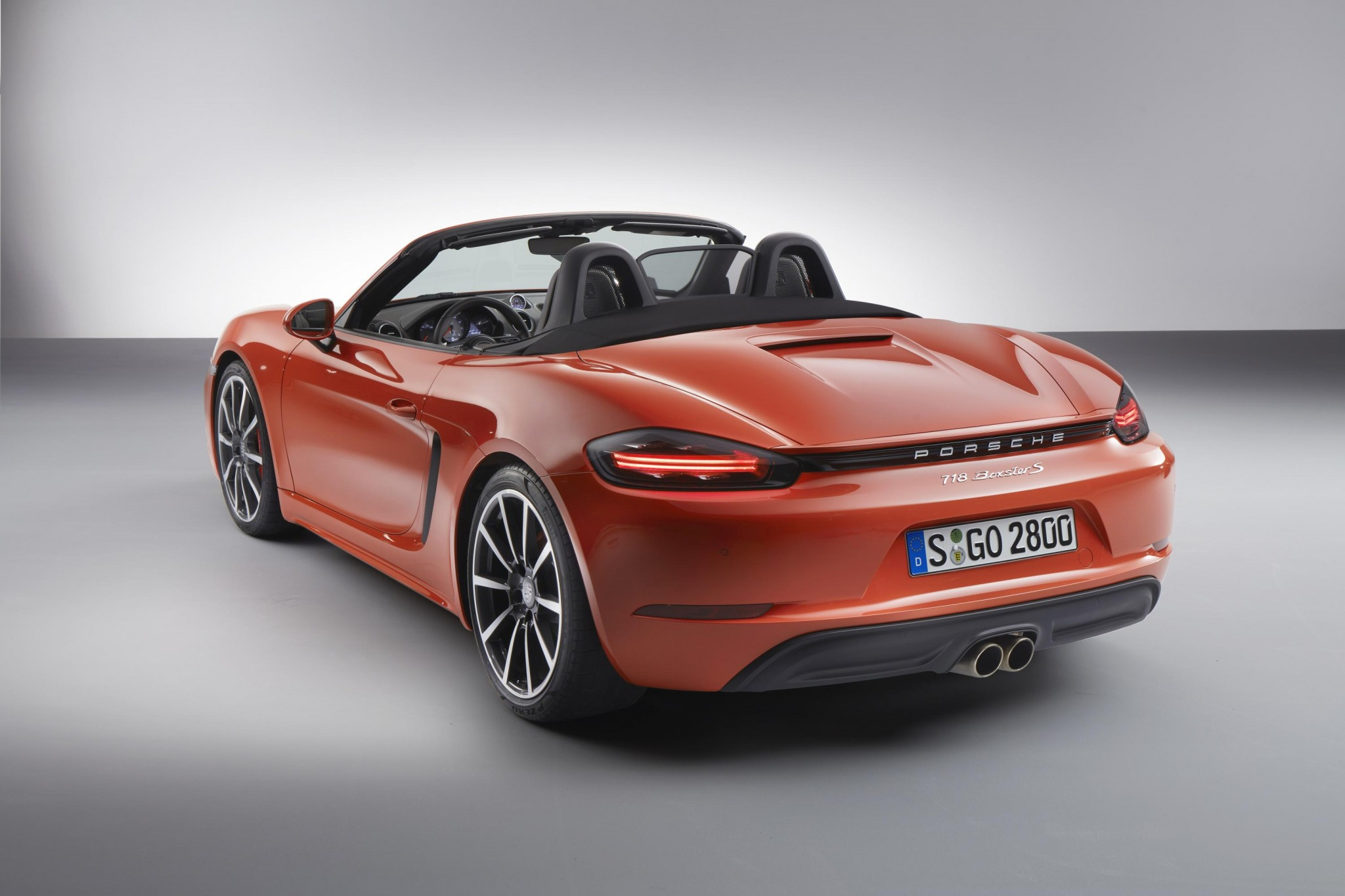 New Porsche 718 Boxster revealed - key details announced | Practical ...