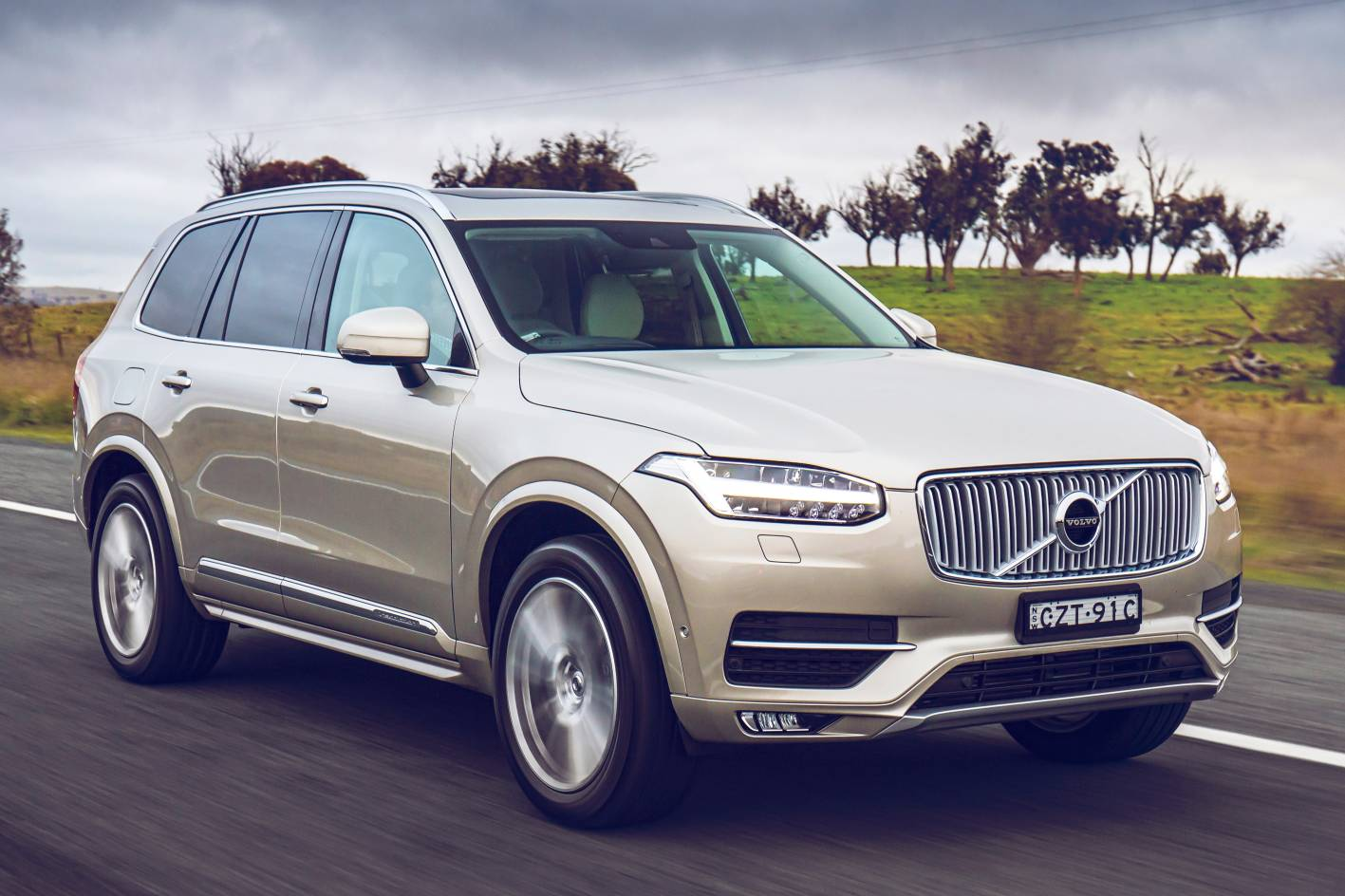 2016 volvo xc90 review practical motoring. Black Bedroom Furniture Sets. Home Design Ideas