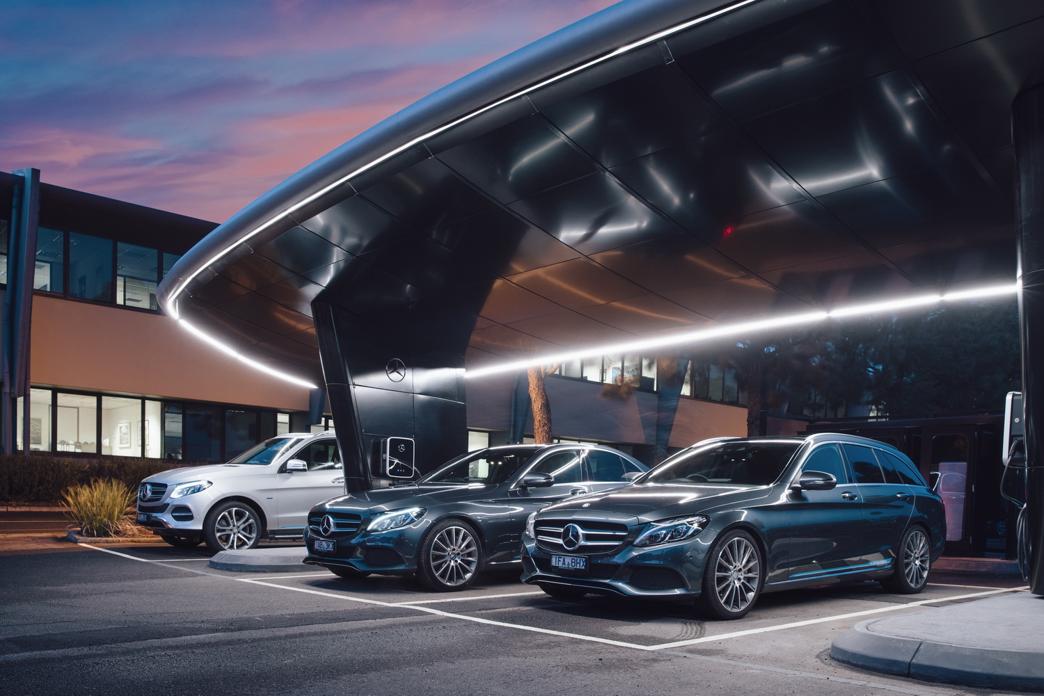Mercedes benz plug in hybrids start to make financial for Mercedes benz finance login