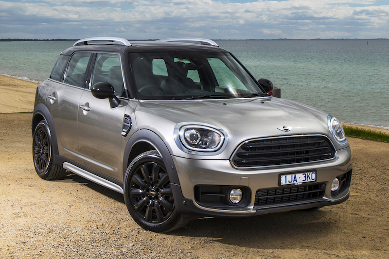 2017 mini countryman cooper d review practical motoring. Black Bedroom Furniture Sets. Home Design Ideas
