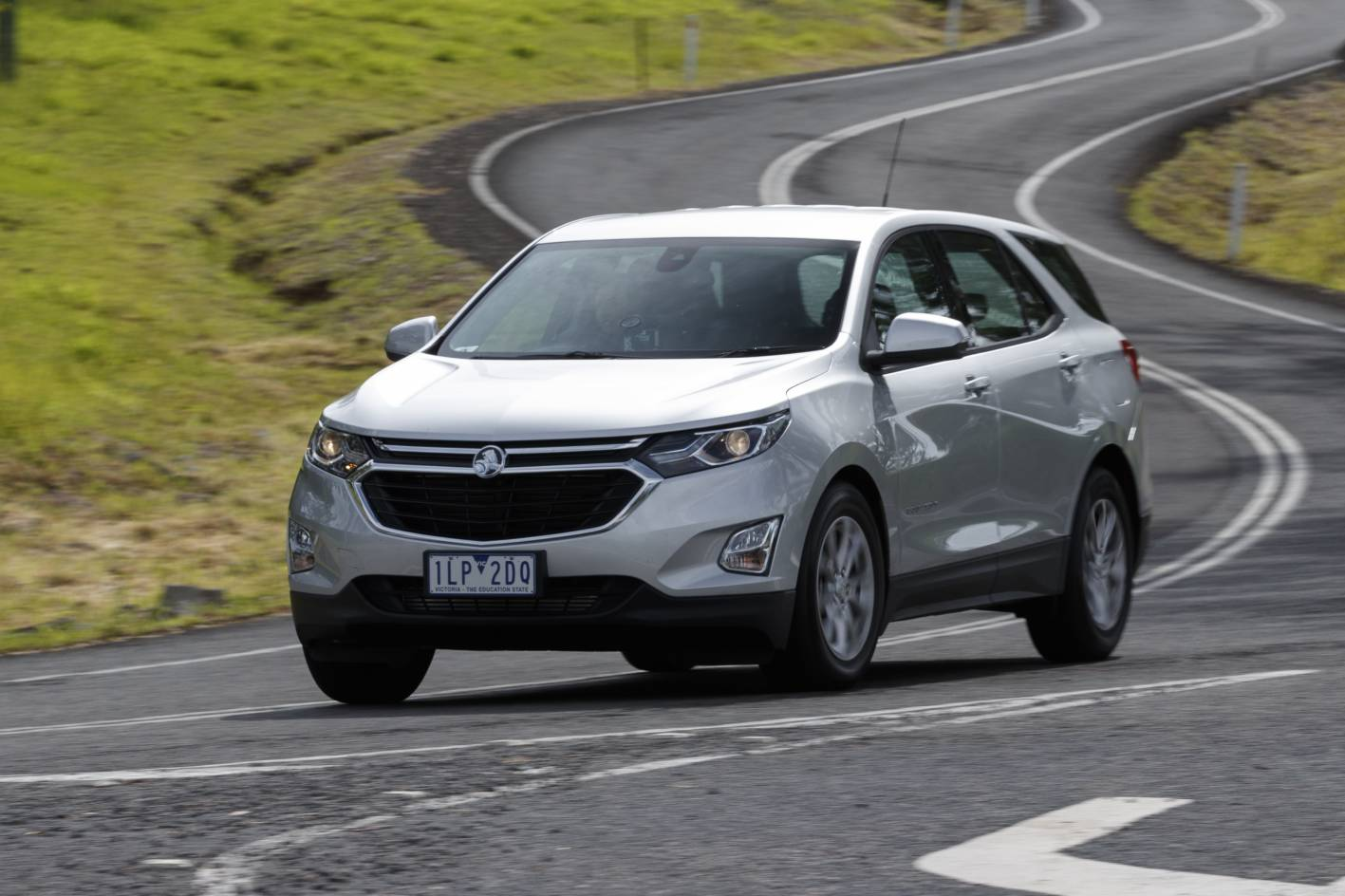 2018 holden equinox ls review practical motoring. Black Bedroom Furniture Sets. Home Design Ideas